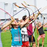 Zirkusschule in den Sommerferien mit Circus firulete von Daniel Torron Mack - Bogenschießen