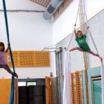 Zirkusschule in den Sommerferien mit Circus firulete von Daniel Torron Mack - Tücherakrobatik