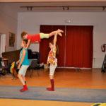 Zirkusschule in den Sommerferien mit Circus firulete von Daniel Torron Mack - Clownerie Akrobatik