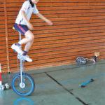 Zirkusschule in den Sommerferien mit Circus firulete von Daniel Torron Mack - Einrad